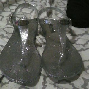 💥EUC Michael Kors Silver Plated Jelly Sandals 6